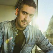 """Adriel Yanel muestra toda su sensibilidad en """"Cerca de Mí"""", su nuevo EP."""