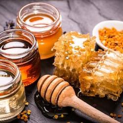 La miel te sienta bien y  produce múltiples beneficios para la salud